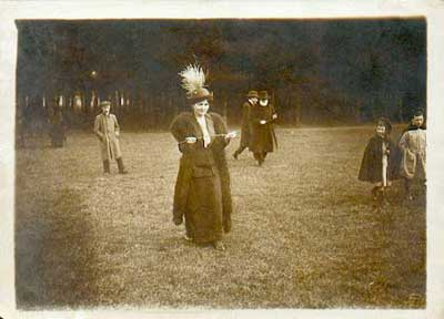 "dowsing in the Victorian era with ""L"" rods"